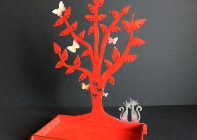 arbre porte bijoux rouge en médium teinté décors chats câlin